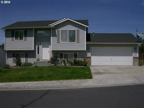 Houses For Sale Hermiston Oregon by 453 E Autumn Ave Hermiston Or 97838 Movoto