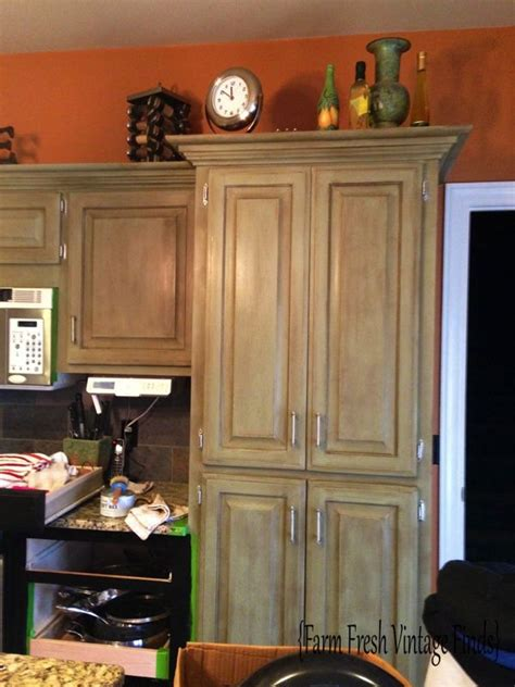 sloan kitchen cabinets oak kitchen cabinets in sloan chateau grey and