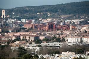 Attractive Fit Conseil Marseille #6: 2048x1536-fit_gardanne-le-23-mars-2011-l-usine-de-boues-rouges-peychinet-et-l-ancienne-mine-de-charbon-en-fond.jpg