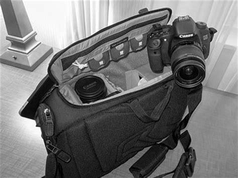 camera bag dslr: lowepro passport sling micalp36139
