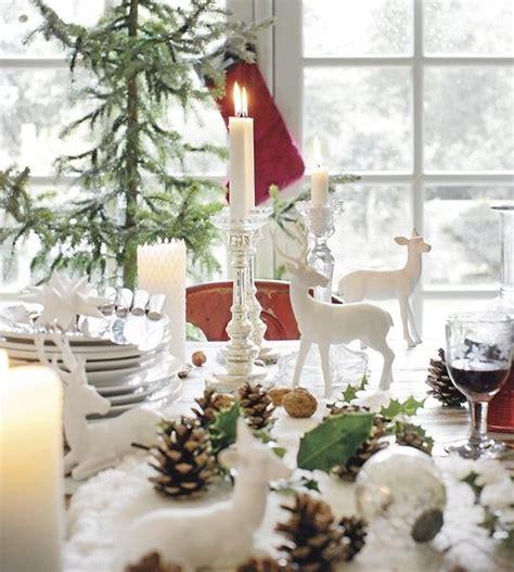tavola natalizia elegante come apparecchiare la tavola di natale con le pigne