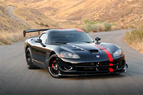 dodge viper sports car dodge viper srt 10 acr
