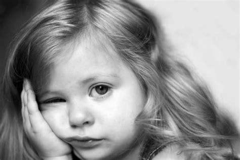 imagenes de niña triste image gallery nino triste pensando