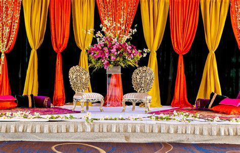 Mehndi/Sangeet   Let the Colors Do All the Talking