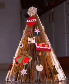 arboles de navidad hechos con revistas hecho con una revista el 225 rbol de navidad de bel 233 n