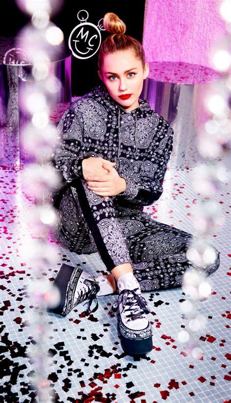 Harga Converse X Miley Cyrus miley cyrus x converse in vendita da bershka italia
