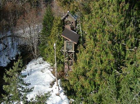 cedar creek treehouse washington 301 moved permanently