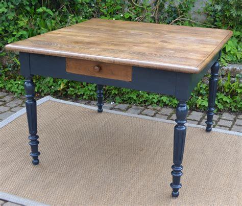 table cuisine tiroir table de cuisine carree maison design wiblia