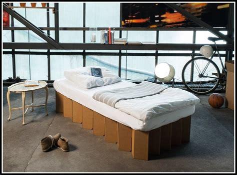 Bett Aus Pappe by Bett Aus Pappe Mein Bett Aus Pappe Sessel Stuhl