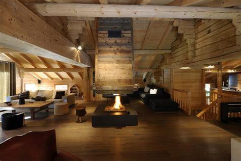 chalet cheminee montagne 201 pingl 233 par nicolas jan sur home chalet interior cabin