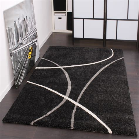 tappeto nero moderno tappeto dal design moderno in a pelo corto nero