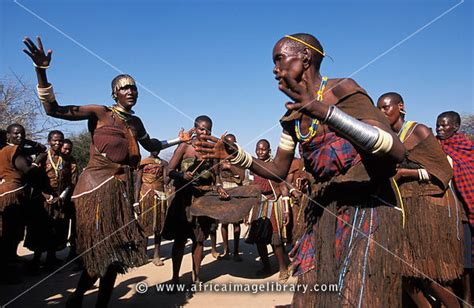 Photos and pictures of: Barabaig women dancing at a