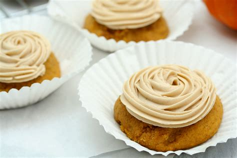 maple frosting pumpkin cookies with maple frosting