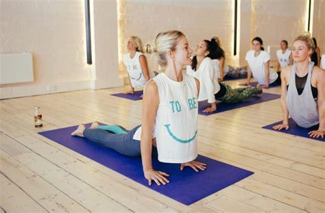 how hot are hot yoga classes where to take a hot yoga class on the sunshine coast