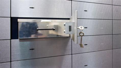 safe bei der bank mieten umfrage bank schlie 223 f 228 cher werden knapp
