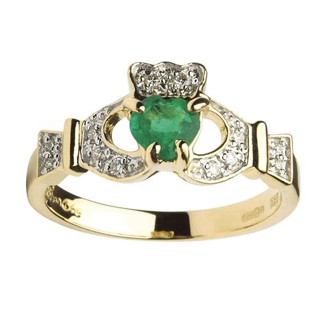 claddagh emerald and yellow gold ring