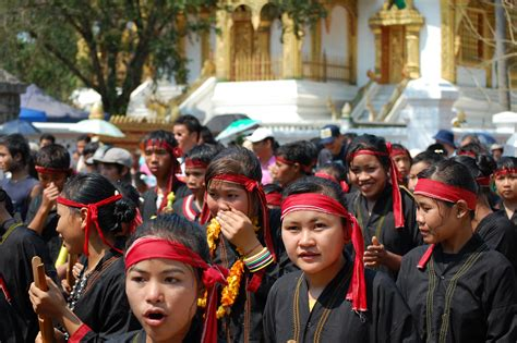 new year parade wiki file lao new year parade of ethnic groups jpg wikimedia