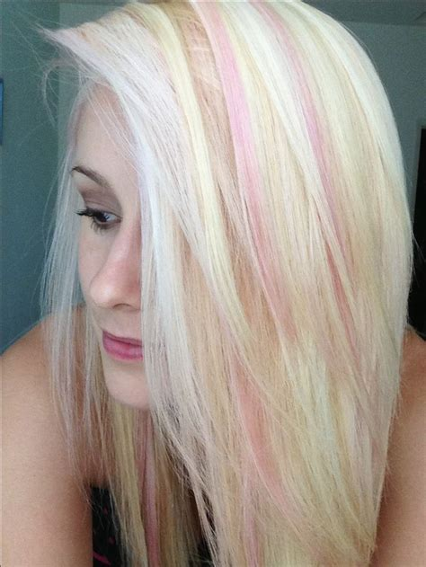 blone hair with pink streaks light pink highlights on bleach blonde hair pretty