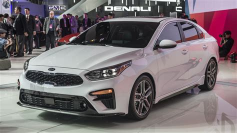 kia forte compact sedan introduced