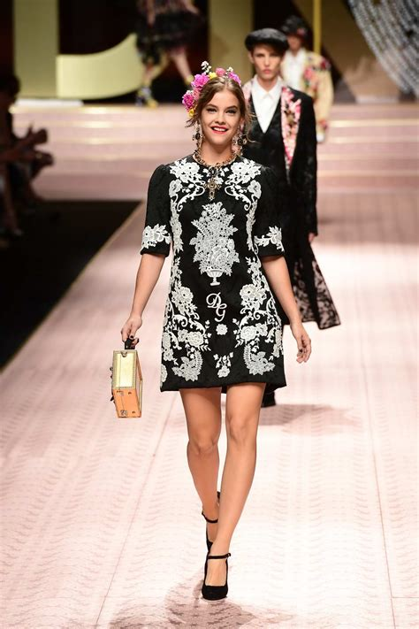 barbara palvin walks  runway  dolce gabbana
