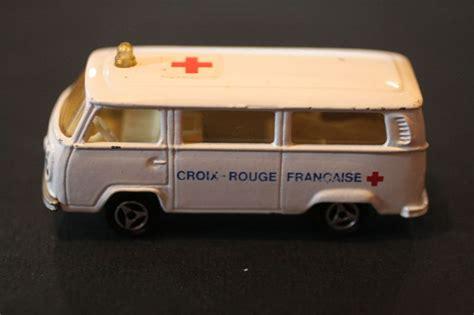 Majorette Ambulance majorette 244 fourgon vw ambulance croix un