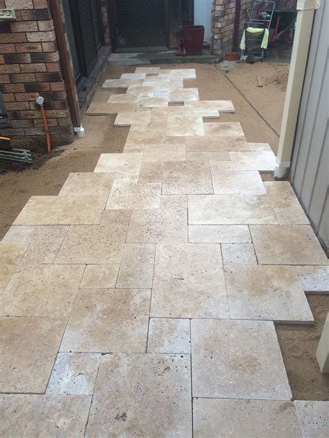 How To Lay Travertine Floor Tiles by 25 Best Ideas About Travertine Floors On
