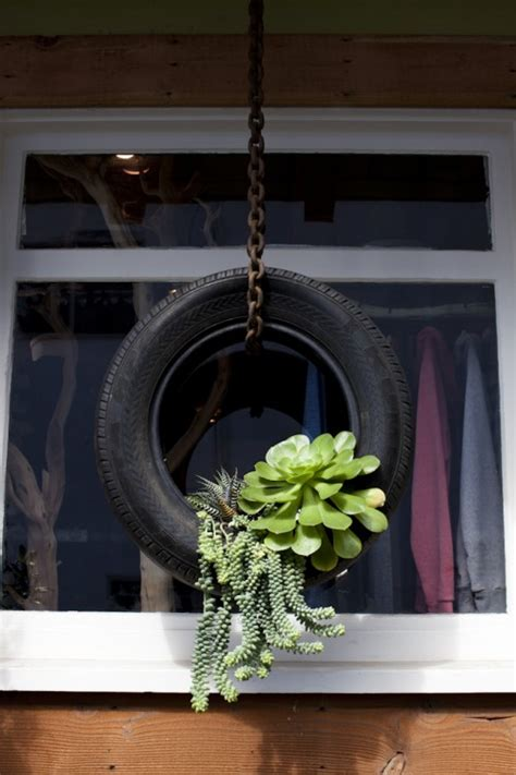 Outdoor Hanging Planter by Top 30 Planters Diy And Recycled
