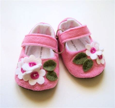 pink baby shoes flower baby booties felt by ivoryandmoss 30 00 baby baby