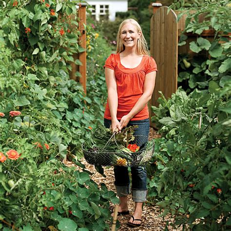 Design Your Own Dream Home How To Grow Your Own Food In Your Backyard Sunset