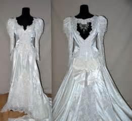 Vintage 80s 90s wedding gown amp veil 1980s white bridal dress satin