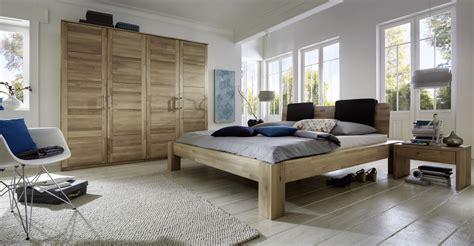 schlafzimmer holz massiv dasbettenparadies naturbelassene massivholz schlafzimmer