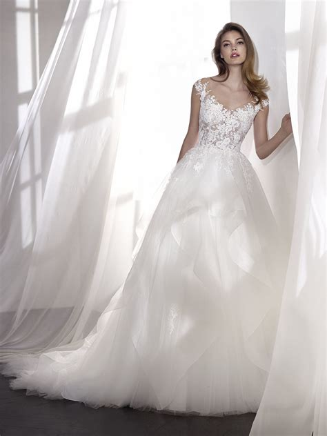 Brautkleider V by 196 Rmelloses Brautkleid Mit V Ausschnitt Und
