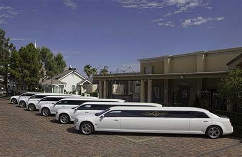 Vegas Limousine Service by Wedding Limo Service Las Vegas Chapel Of The Flowers