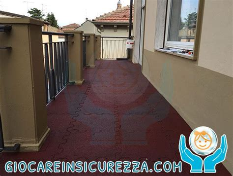 pavimento terrazza cheap pavimento gomma da esterno per terrazza di casa with
