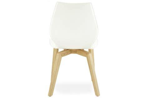 chaise blanche et bois 2833 chaise blanche pieds bois chaise design pas cher