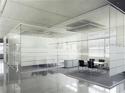 separation de bureau en verre cloison de s 233 paration en verre sans montants verticaux