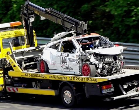 Bad Tow Truck Driver by Tow Truck Drivers Get Plenty Of Time On The Nurburgring