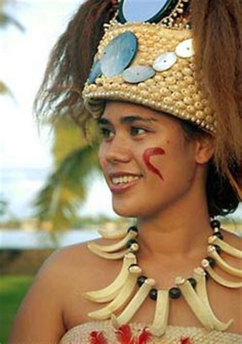beautiful samoan girls traditional samoan headpiece tuiga on pinterest samoa