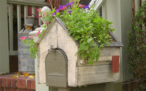 Mailbox Planter Ideas by 15 Mailbox Planter Ideas To Spruce Up Your Garden Club