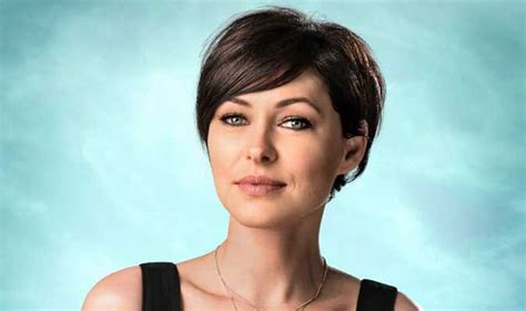 hair styles of female news reporters in britain presenter emma willis on new bbc show prized apart life