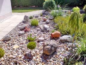 Vorgartengestaltung Mit Steinen Und Grasern Vorgartengestaltung Mit Steinen Godsriddle Info