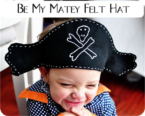 How To Make A Pirate Hat Out Of Paper - a felt pirate hat pattern simple simon and company