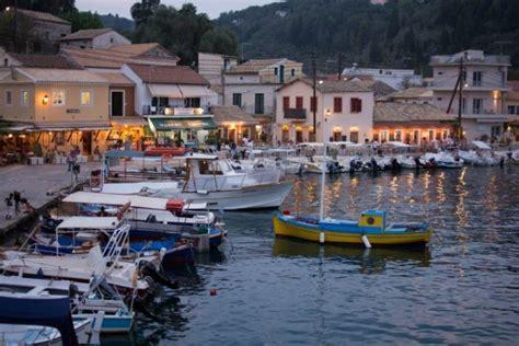 sailing greece tips how to sail in greece helpful tips cruising sea