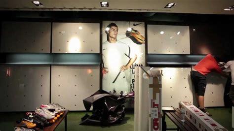 decorar zapatos deportivos nike decoracion e instalacion de vinilos en tienda youtube