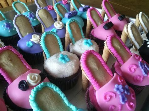 simply sweet high heel shoe cupcakes