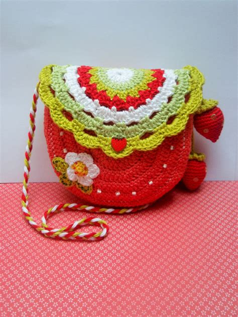 crochet pattern strawberry purse strawberry time crochet purse pattern by crazyhookonway on