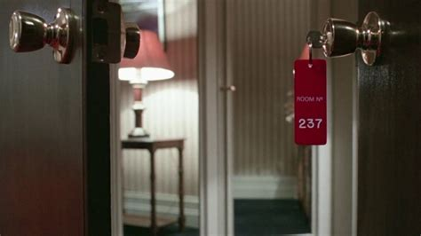 review room 237 us bd ra dvdactive