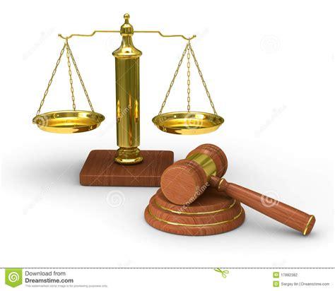 imagenes en blanco y negro de justicia escalas justicia y martillo en el fondo blanco stock de