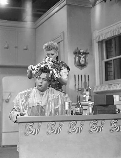 i love lucy couch 130 best i love lucy images on pinterest i love lucy