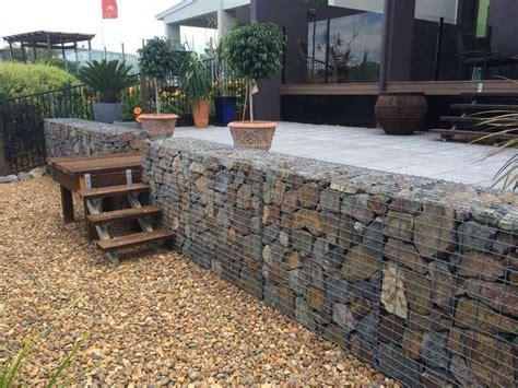 Terrasse 1m Hoch by 84 Ideen F 252 R St 252 Tzmauer Im Garten Bauen Hangsicherung